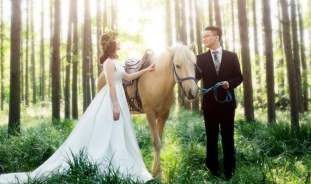 Mr贺先生&Mrs李女士