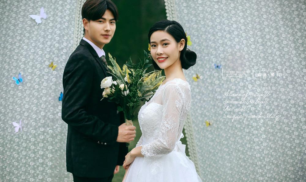 Mr何先生&Mrs万女士