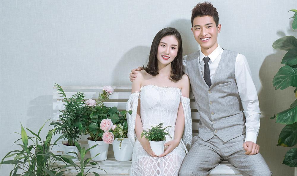 Mr王先生&Mrs胡女士